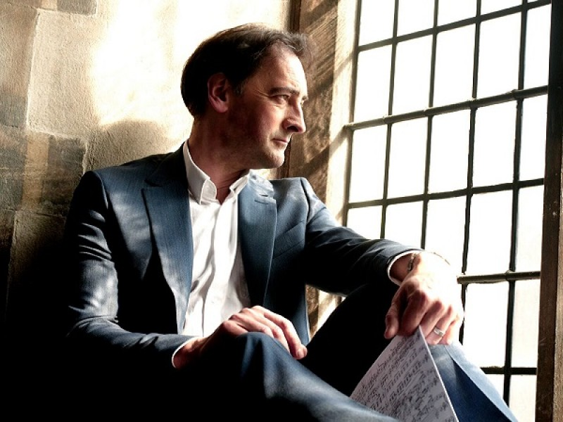 Alistair McGowan : Introductions to Classical Piano
